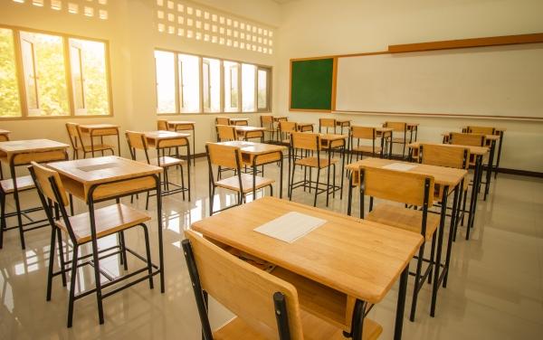 Cómo se realiza la limpieza profesional de escuelas y centros educativos